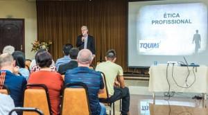 """Motoristas assistem à Palestra """"Ética Profissional"""", tema do 6º Encontro de Motoristas da TQUIM"""